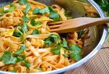 Healthy Yumz / Deliciously healthy and/or vegetarian recipes.