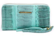 Leren accessoires / Bijzonder mooie accessoires, portemonnees, zonnebrilhoesjes, make-up tasjes en IPadsleeves van Nederlandse labels. Verkrijgbaar in de webshop van www.leatherlicious.nl