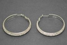 Boucles d'oreilles fantaisie / Le partage de nos boucles d'oreilles favorites, nous espérons qu'elles vous plairont et que vous les ré-épinglerez pour faire connaître nos beaux bijoux !