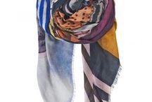 Becksondergaard SS16 / Becksöndergaard crea accesorios con un toque lúdico. Una paleta vitalista de color, impresiones realizadas a mano únicas, formas de piel suave y los diseños hechos a mano en cuero o piel de anguila se han convertido en la firma de la marca.