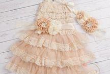 Φορέματα / Παρανυφάκια