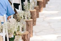 Aisle and Pew Markers / Decorating inspiration for pew and aisle markers for outdoor and indoor weddings.