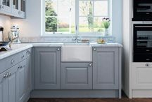 Abberley shaker kitchen / The Abberley shaker kitchen with a choice of 28 painted colours or you can create your own bespoke colour.  From Units Online http://www.unitsonline.co.uk/abberley-shaker-painted-kitchen