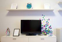 stickers Pixel / Inspiré des mouvement artistiques du Pixel art et du Notes art devenu tendance avec ses réalisations en post-it, ces stickers muraux apporteront un peu de fraicheur et d'originalité à votre intérieur et ne manqueront pas de plaire aux petits comme aux grand !