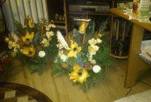 Kompozycje kwiatowe/ Flowers composition / Kompozycje kwiatowe, stroiki świąteczne, ozdoby/ Flowers composition, wreath, ornament