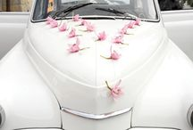 trouwauto bloemen/ Weddingcar decoration