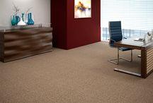 Essex - Série 3200 / Versatilidade para seus projetos. Carpete comercial muito versátil, Essex oferece excelente performance e manutenção da aparência por tempo prolongado. Disponível em cores coordenadas, é à prova de manchas e de fácil manutenção.