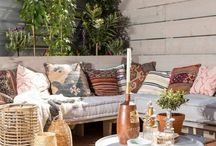 Inspiration Aménagement de Terrasse / Les beaux jours sont arrivés parmi nous, c'est donc le moment parfait pour rénover et aménager sa terrasse. Nous vous présentons de belles réalisations pour aménager selon vos envies votre espace terrasse.