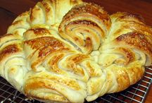 recipes -- Bread / Bread recipes for every kind of bread, yeast breads, fruit breads, vegetable breads.  How to make bread.