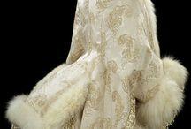 Tkanina / Okrycia wierzchnie, ubiór współczesny, strój historyczny.