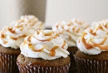 ZOMG Cupcakes / by Ellyn Elizabeth