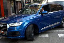 Jordi Alba tiene su nuevo Audi Q7,y es Azul Glossy! Car Wrap by Pronto Rotulo / Los nuevos Audi Q7 pasan por Pronto Rotulo para vinilarse a medida del exigente cliente que quiere colores concretos. En este caso te mostramos el que ha sido entregado al jugador del FC Barcelona Jordi Alba  Aquí lo tienes!  Vinilado integral del coche en Material Hexis Azul Glossy super brillante gama wrap especial para Pronto Rotulo.  / by Pronto Rotulo