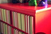 Roseli pintando cômodas,armários,mesa,cadeira e outra coisas em mdf,mdp,formicas e armarios Itatiai.