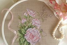 TABLE*CROSS STITCH-EMBROIDERY