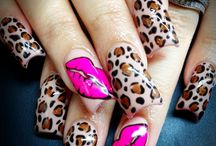 nail designs / by Crissy Claudio