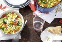 Zucchini Rezepte / Das leckere, grüne Gemüse ist eine beliebte Zutat für viele verschiedene Gerichte. Bist du auch ein großer Fan von Zucchini? Dann wirst du hier mit vielen, tollen Rezepten versorgt – einfach ausprobieren!