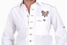 Trachten Hemden weiss / Die weissen Trachtenhemden bieten eine sportlich-elegante Alternative zum traditionellen Karo-Hemd. Kombinierbar sowohl mit Trachten- als auch modernen Hosen sind die schlichten Hemden passend zu beinahe jedem Anlass.