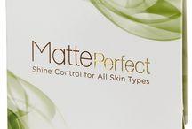 MATTE PERFECT / Les papiers de MattePerfect sont fabriqués au Japon à partir d'un design français, en utilisant des ingrédients naturels comme la soie de kimono et du lin naturel.