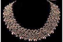 Kolie i naszyjniki / Najciekawsze wzory i modele biżuterii sztucznej w sieci.