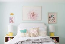mint  and  yellow room