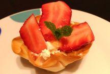 Fresas!! / Deliciosas recetas de dulces y postres fáciles con fresas. Puedes consultar las recetas completas con fotos paso a paso en http://postresconfrutas.com/tag/postres-con-fresas