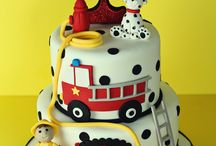 Crazy Cakes / by Grace Siffermann