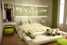Zelená spálňa - Green bedroom / Veľmi dobre sa kombinuje so zelenou a nemusíte mať pocit, že by ste sa cítili ako na čerpacej stanici. Zelená znižuje krvný tlak a sama o sebe je farbou upokojenia a odpočinku. Stačí ju vsadiť do spálne a všetky zlé sny sú preč. Prečo ju teda neprivítať u vás doma?
