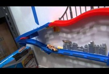 Hot Wheels Wall Tracks - Current Products / You can still find most of these sets in the stores.