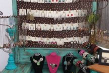 jewelry display ideas for YDesigns :) / by Yessica Sinisterra