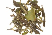 White Tea / White tea, with a high concentration of antioxidants, helps fight against heart disease and cancer-causing radicals. Additional health benefit of white tea includes aid in weight loss. This tea has a light honey sweet aroma and taste. In the production of white tea the selected young leaves are steamed and dried in the sun. The absence of fermentation, withering, rolling and oxidation of the leaves allow white tea to contain great concentrations of polyphenol antioxidant.