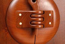 hinges in wood