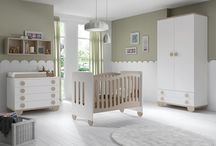 Chambre pour bébé / Des chambres en bois pour votre bébé : berceau, lit évolutif, table à langer, commode, armoire, coffre à jouets etc... Tout est entièrement personnalisable