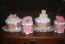 Mini Diaper Cakes Baby Shower Centerpieces / Looking for Mini Diaper Cakes Baby Shower Centerpieces? Take a look at our collection videos and picture of Mini Diaper Cakes Baby Shower Centerpieces and get inspired