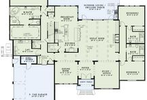 Home building: Floor Plans / by Angie Wellman