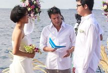 Island Vows on Kandolhu Island / When it comes to a beautiful setting, very few other honeymoon resorts in Maldives can come close to Kandolhu Island. We offer our guests a bespoke Island Vows services set on a secluded stretch of the beach of your choice. All you will have to do is decide on the date that you want to renew wedding vows in Maldives, and the islanders will do the rest to ensure that your special day is tailored to your liking to make it the perfect day that you always dreamt about.