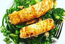 Healthy eating / Food inspiration for a fit and healthy body. This is one of my favourite meals and its so quick and easy to cook.  Salmon fillet cooked in the oven at 180°C for 20mins, in tin foil with lemon juice, salt & pepper and a drizzle of teriyaki sauce.  You can use any vegetables you like, I enjoy peas, tender stem broccoli and asparagus.  Enjoy