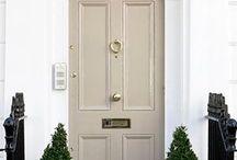 Riyal dış kapı