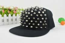 Hâtš / I NEED THESE HATS