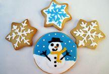 galletas decoradas y algo más. / imágenes en donde aparecen galletas decoradas.