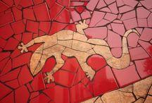 Reforma Restaurante Barcelona / Rehabilitación y conversión en restaurante de un edificio situado a los pies del Parc Güell de Barcelona realizada por OAK. La intervención ha consistido en el derribo de toda la tabiquería interior previo refuerzo estructural del edificio. Interiormente se ha adaptado el edificio para el uso de restaurante, con su conseqüente cocina profesional, baños, barra y comedores. Exteriormente la actuación ha sido incluso de mayor magnitud, rehabilitando las 4 fachadas, y el patio exterior.
