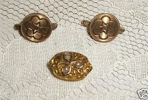 10KT SOLID GOLD LOT-VICTORIAN SEED PEARL SLIDE AND COLLAR BUTTONS-VERY NICE ANTIQUES