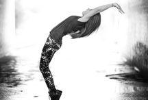 Dancing / Dans
