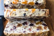 Pale of fruit and nut bread