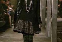 """L'Ecosse inspire la maison Chanel / En décembre 2012, la maison Chanel a organisé à Edimbourg son défilé dit """"des métiers d'art"""" à la suite de son rachat d'une usine de cachemires en Ecosse."""