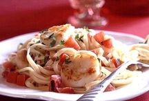 Valentine's Day Recipes / Delicious meals, drinks, and sweets to celebrate romance.