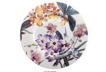 Bandejas, bajoplatos, platos y cestas de cerámica / Bandejas, bajoplatos, platos, ensaladeras y cestas de cerámica o porcelana de alta calidad con cuidados diseños.