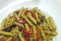 Vegan + lecker selbst gekocht - 2014 / Nicht nur Hauptgerichte auch Gebackenes und viele Salate ...