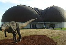 MUSEO JURASICO DE ASTURIAS / En Colunga, al lado de La Casina de Giranes, un lugar para retroceder en el tiempo, al atardecer unas vistas preciosas