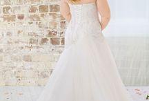 Roz La Kelin - Glamour Plus / Plus Size Wedding Dresses