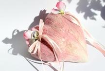 Ringkissen / Ein Ringkissen ist ein sehr schönes Accessoire für die Trauung. Damit setzen Sie Ihre Trauringe perfekt in Szene!